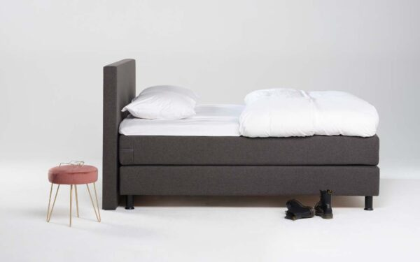 antraciet donker grijze boxspring Eastborn Ruby